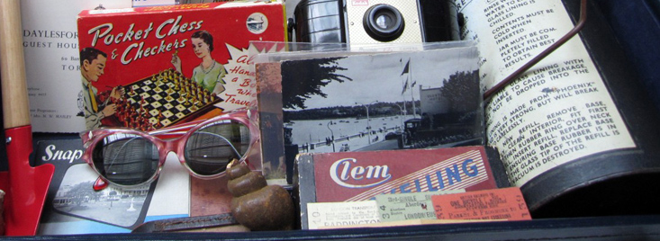 Assorted items from the Holiday Memories memory box